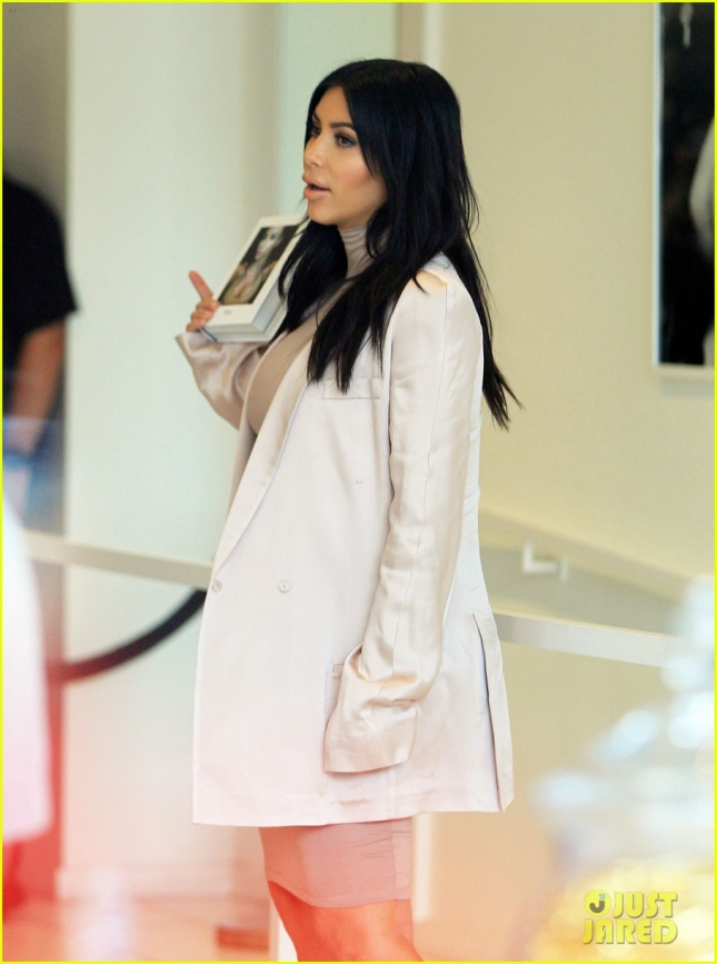 Pregnant Kim Kardashian Signs Copies Of 'Selfish' At DASH
