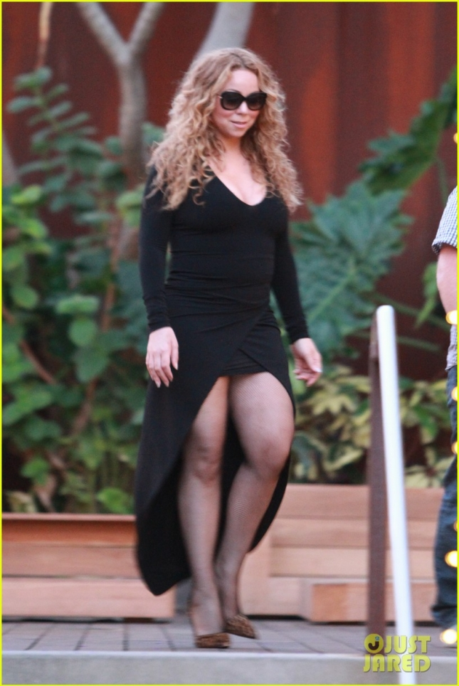 *EXCLUSIVE* Mariah Carey flashes some serious leg in Malibu