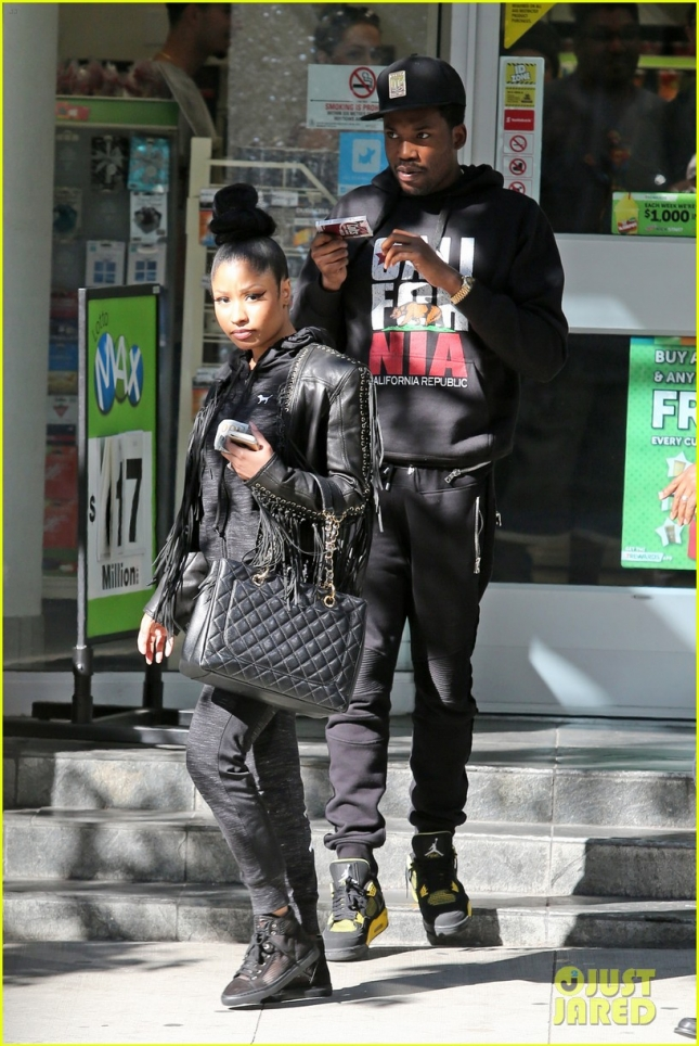 *EXCLUSIVE* Nicki Minaj and Meek Mill hit up 7-Eleven ahead of her sold-out show
