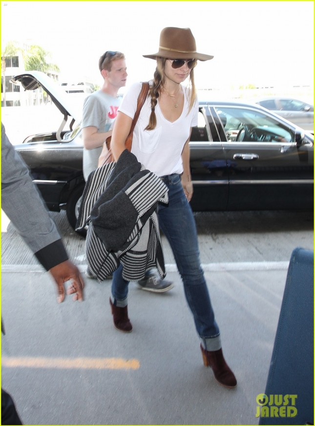 Olivia Wilde Travels In Style