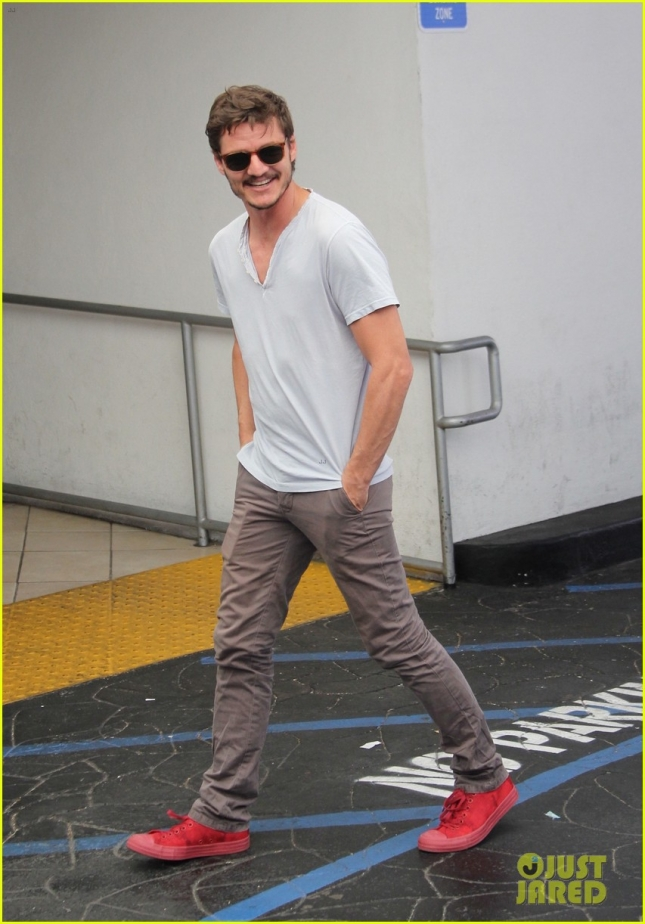 Pedro Pascal spotted out to lunch in Beverly Hills