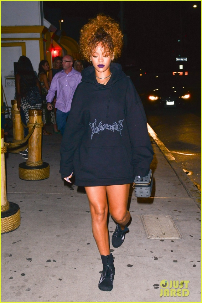 Rihanna Shows Off Her Legs In An Oversized Hoodie While Out For Dinner