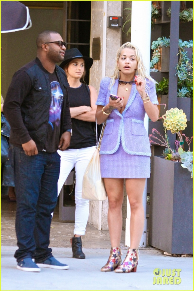 *EXCLUSIVE* A barefaced Rita Ora waits for her ride in Beverly Hills