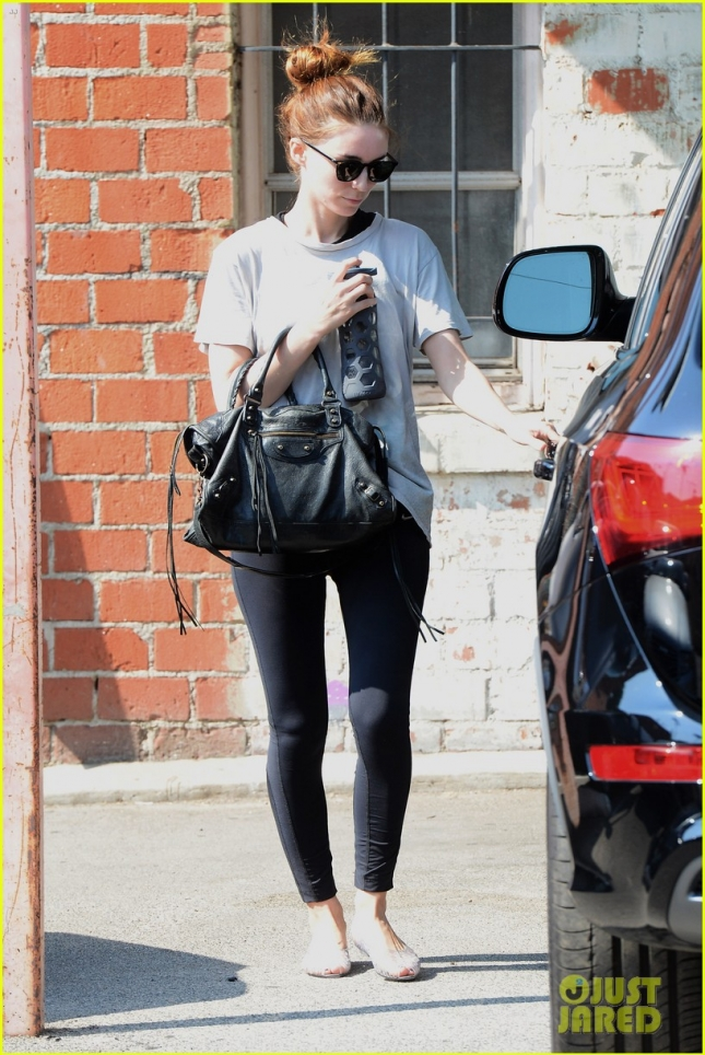 Rooney Mara Leaves Her Dance Class