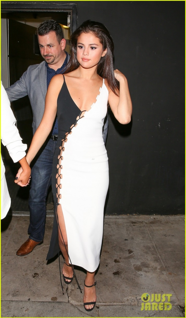 Selena Gomez looks amazing walking out of The Nice Guy with a friend