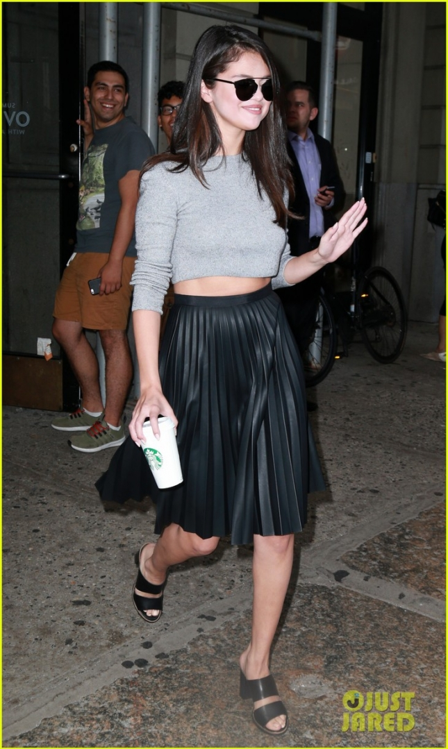 Selena Gomez Grabs a Starbucks Drink