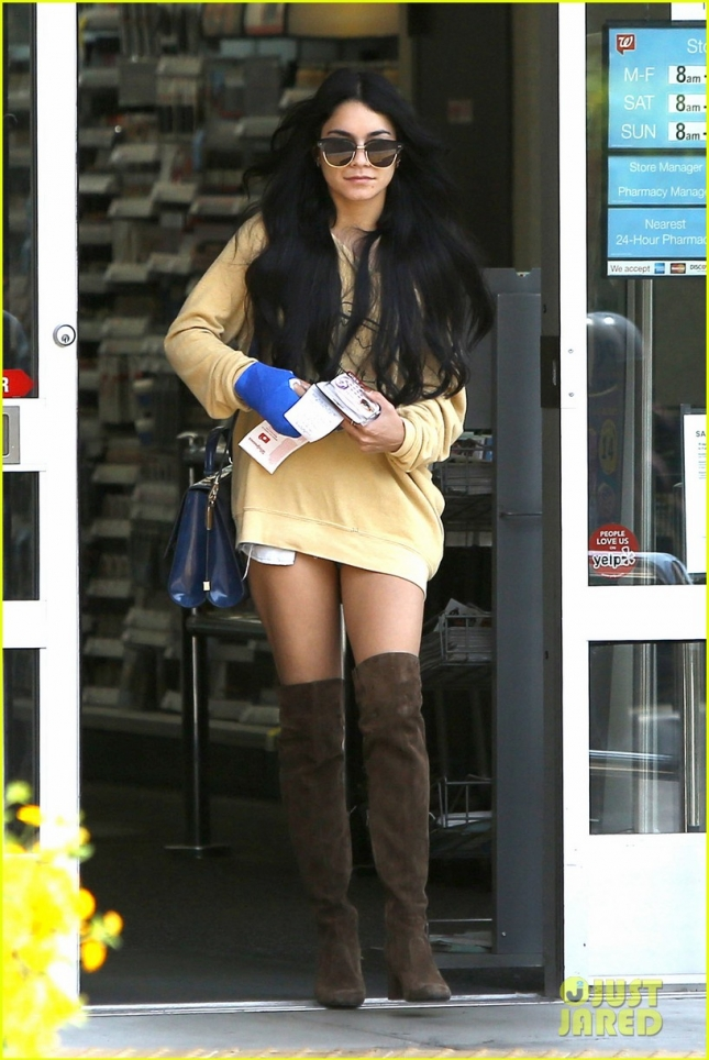 Vanessa Hudgens picks up prescription and eye lashes at Walgreens