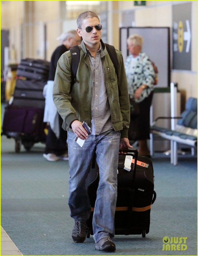 Wentworth Miller Catches A Flight To Los Angeles