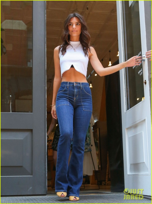 Emily Ratajkowski Stops By Reformation Clothing Store In NYC