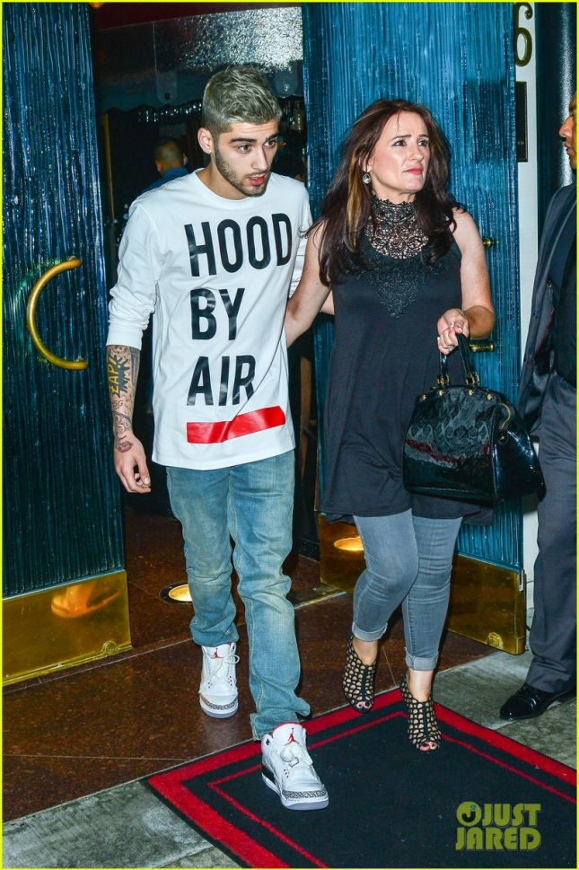Zayn Malik Dines Out With His Mom Trisha Malik