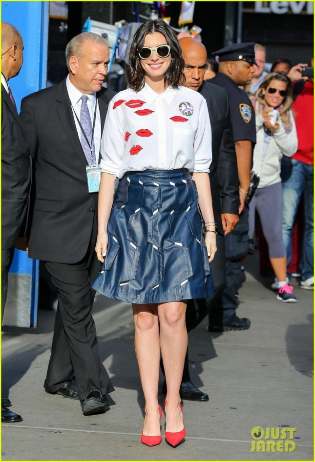 "Anne Hathaway Says ""Good Morning America"""