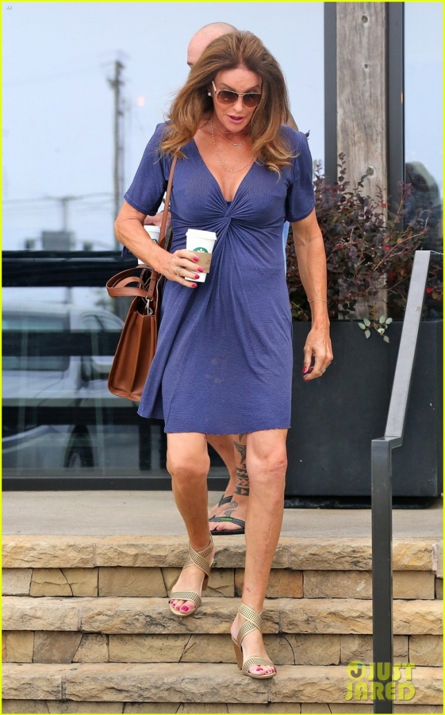 caitlyn-jenner-flaunts-some-cleavage-in-low-cut-dress-05