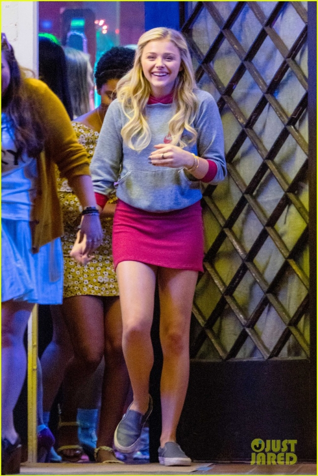 "Chloë Grace Moretz looking collage bound on the set of ""Neighbors 2: Sorority Rising"""