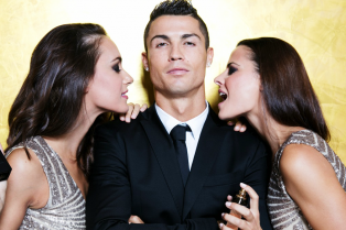 cristiano-ronaldo-strips-down-for-his-fragrance-commercial-20