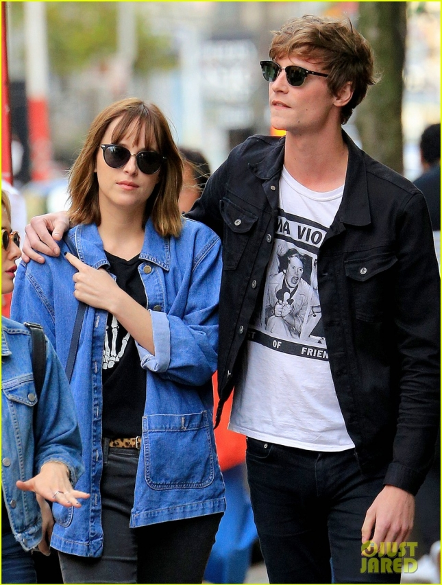 Dakota Johnson's bf Matthew Hitt put his arm over Dakota Johnson when walking in Soho, NYC after breakup rumors