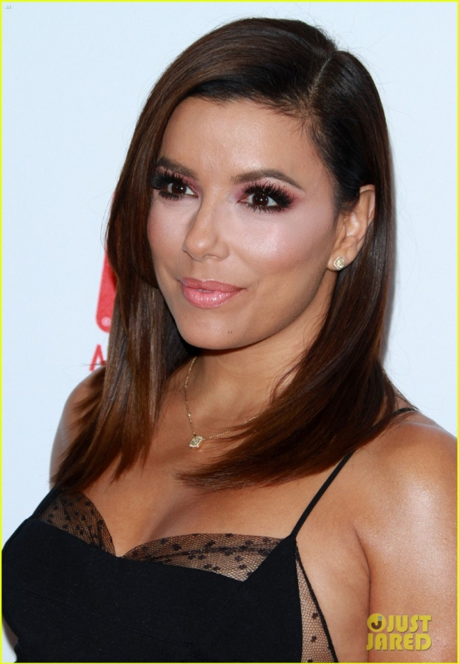 eva-longoria-accepts-advocacy-award-at-pre-emmys-event-09