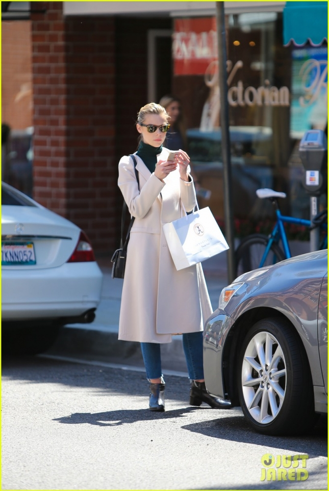 Jaime King waits on her ride in Beverly Hills