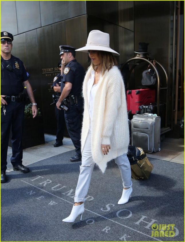Jessica Alba spotted leaving her hotel today in NYC.
