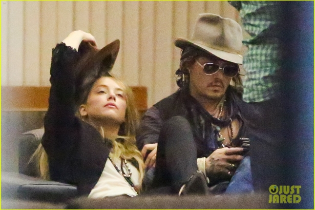 johnny-depp-amber-heard-roam-around-rio-together-06