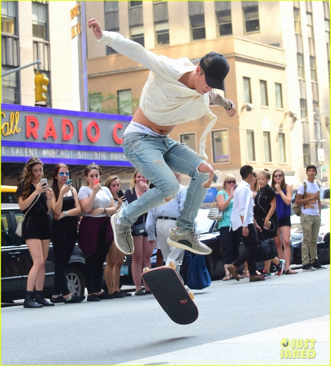 Justin Bieber Puts on Skateboard Performance in Front of Radio City Music Hall