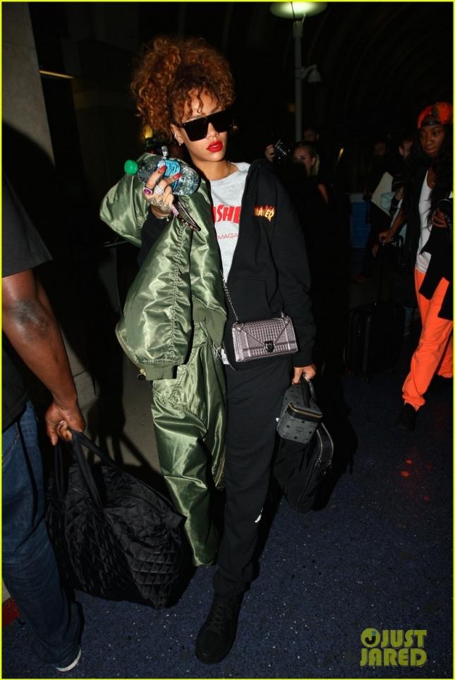 Рианна в аэропорту LAX