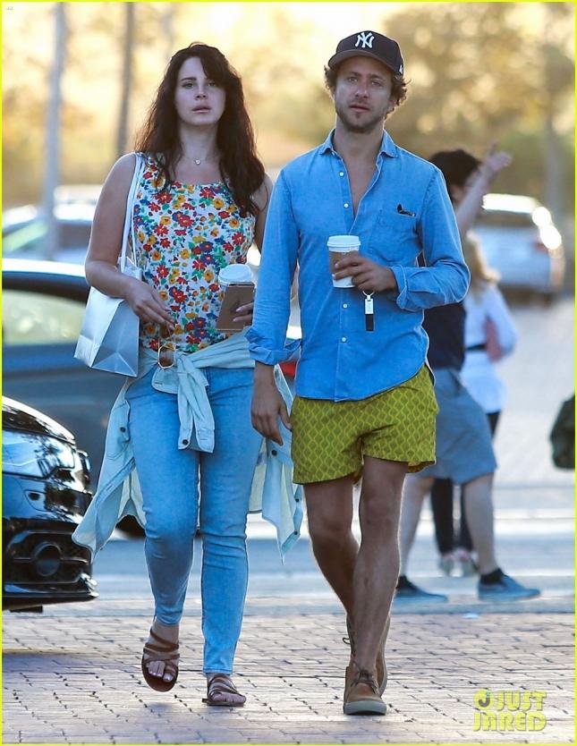 Lana Del Rey & Francesco Carrozzini Out For Lunch In Malibu
