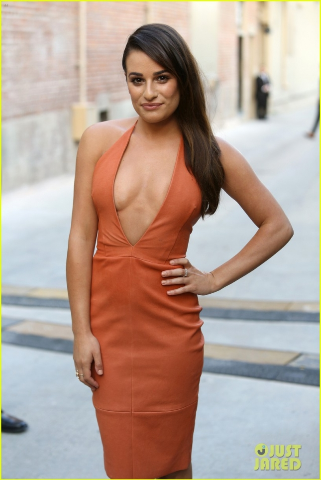 lea-michele-stuns-in-plunging-dress-to-promote-scream-queens-02