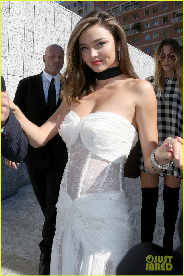 Miranda Kerr looks amazing in white at La Koradior Fashion Show **USA ONLY**