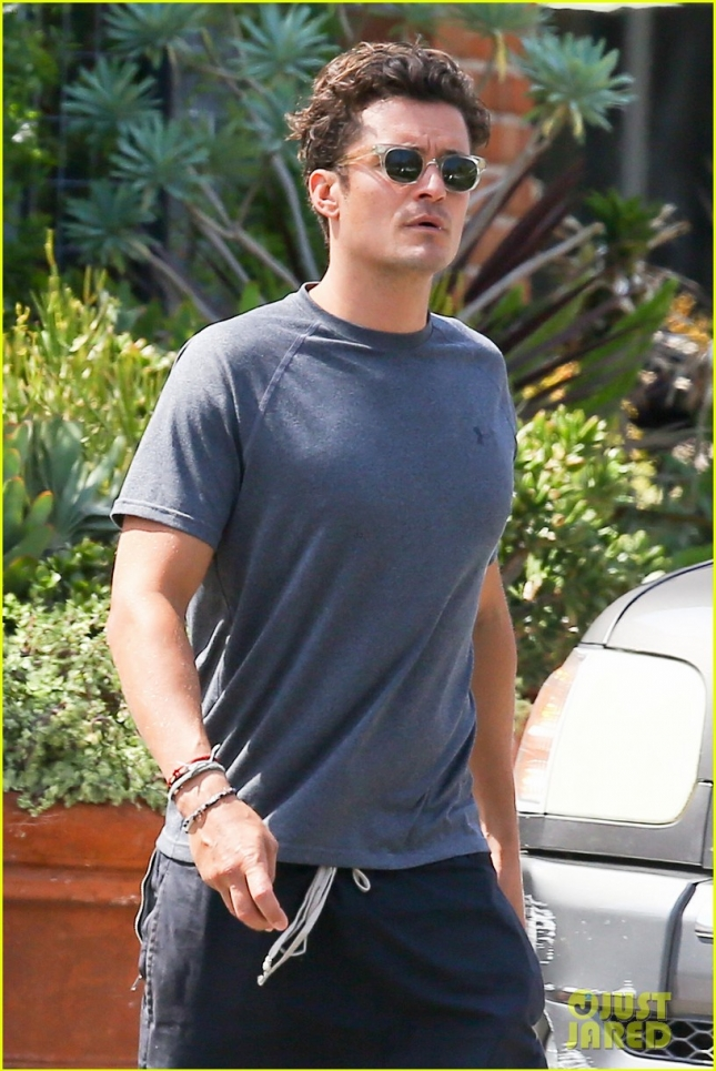 orlando-bloom-steps-out-amid-new-dating-rumors-02