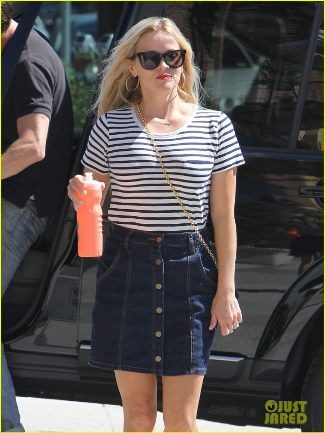 Reese Witherspoon Heads To The Office