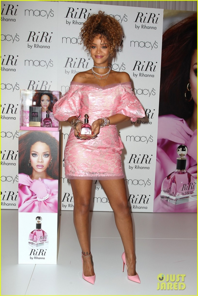 Macy's Downtown Brooklyn Welcomes Rihanna for the Launch of Her Fragrance RiRi by Rihanna