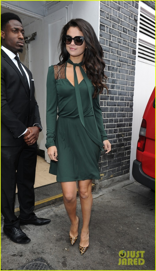 Selena Gomez is Green with Envy in London **USA ONLY**