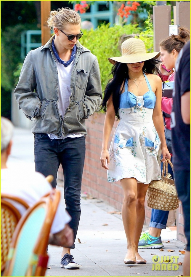 Vanessa Hudgens and Austin Butler have a lunch date
