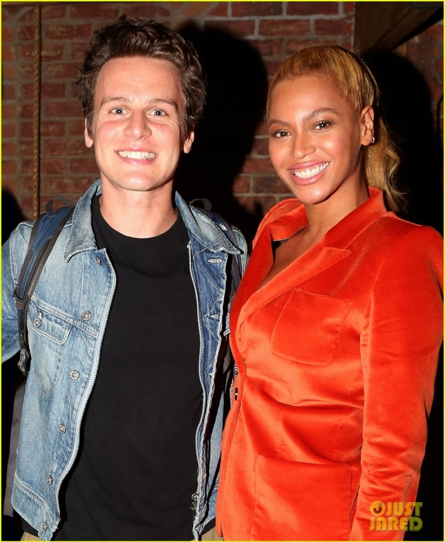 beyonce-jay-z-catch-the-hottest-show-on-broadway-02