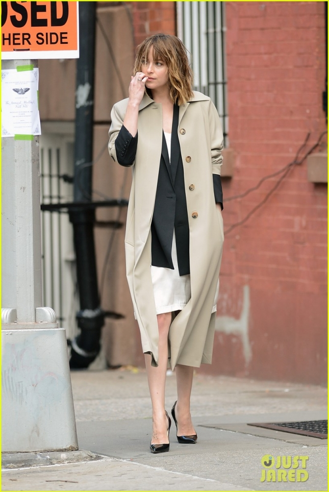 dakota-johnson-laughs-at-fifty-shades-of-grey-17
