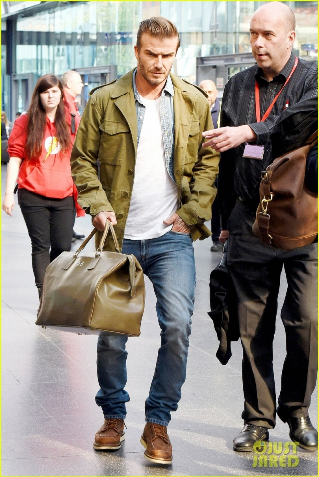 *EXCLUSIVE* David Beckham is looking tired arriving at the Manchester train station **USA ONLY**