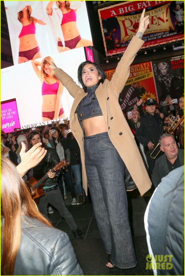 Demi Lovato Rocks Times Square in a Surprise Performance