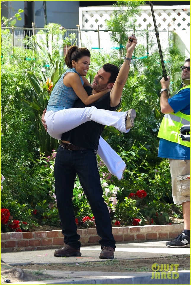 Eva Longoria shoots a silly scene for 'Hot & Bothered'