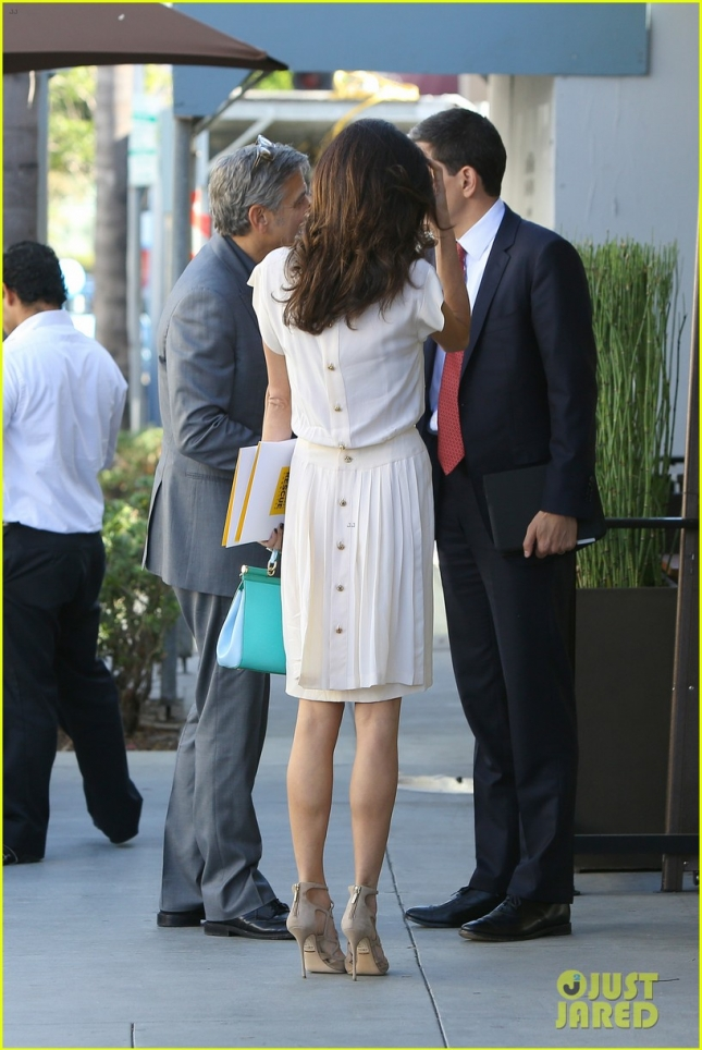 George and Amal Clooney enjoy a casual lunch at Palms