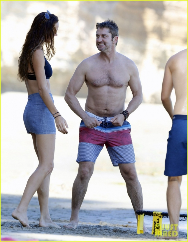 Gerard Butler & Morgan Brown Enjoy A Beach Day In Malibu