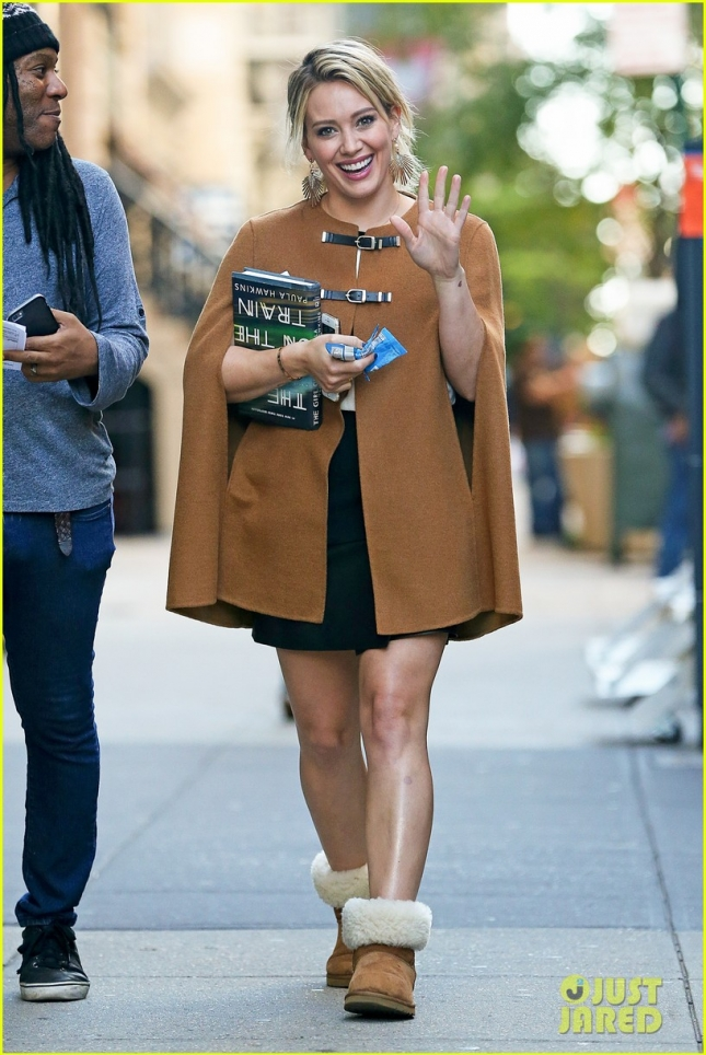 hilary-duff-all-smiles-on-set-of-younger-01