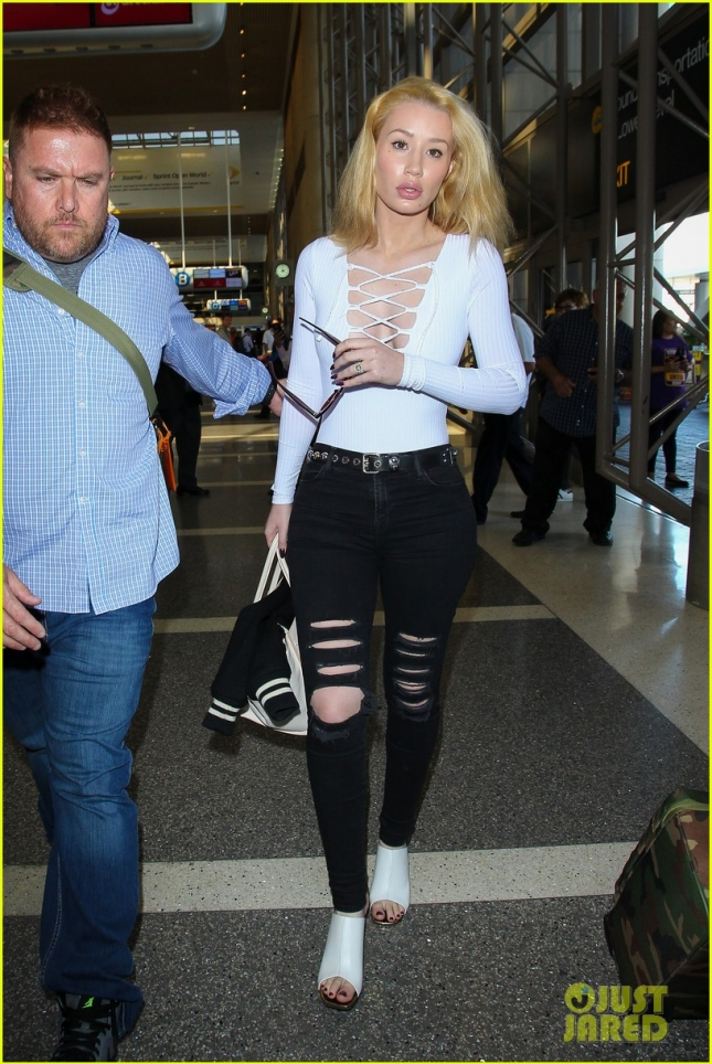 Iggy Azalea makes a sexy arrival at LAX