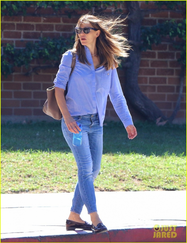 Jennifer Garner Out And About With Her Children