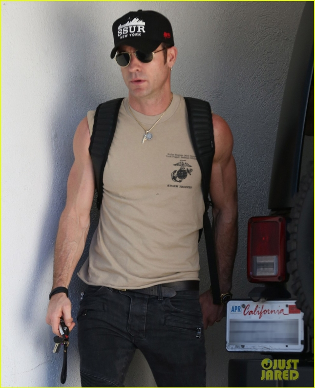 justin-theroux-had-a-hard-time-reading-growing-up-04