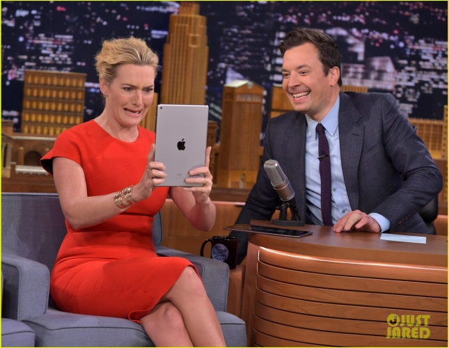 kate-winslet-gets-silly-during-photo-booth-challenge-with-jimmy-fallon-watch-here-10