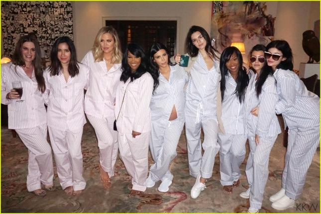 kim-kardashian-displays-bare-baby-bump-in-new-baby-shower-pics-02