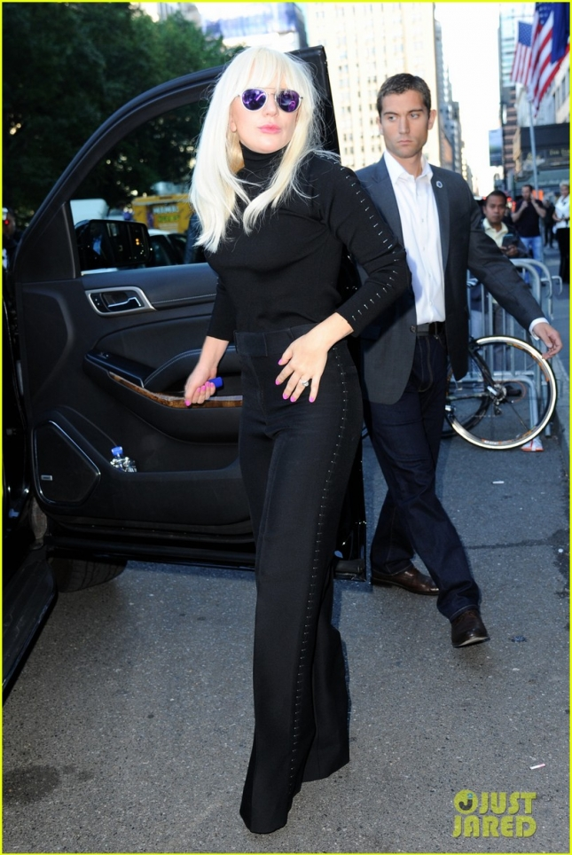 lady-gaga-taylor-kinney-are-not-rushing-into-a-wedding-05