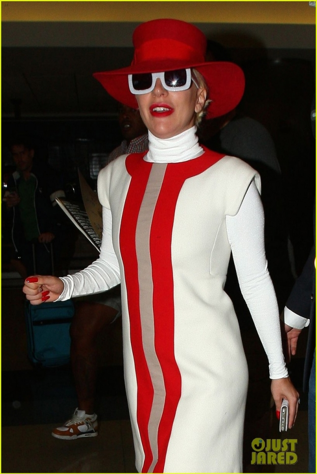 lady-gagas-fiance-wants-to-act-with-her-again-10