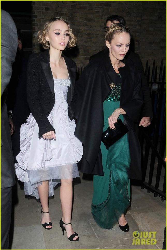 Ванесса Паради с дочкой Лили-Роуз