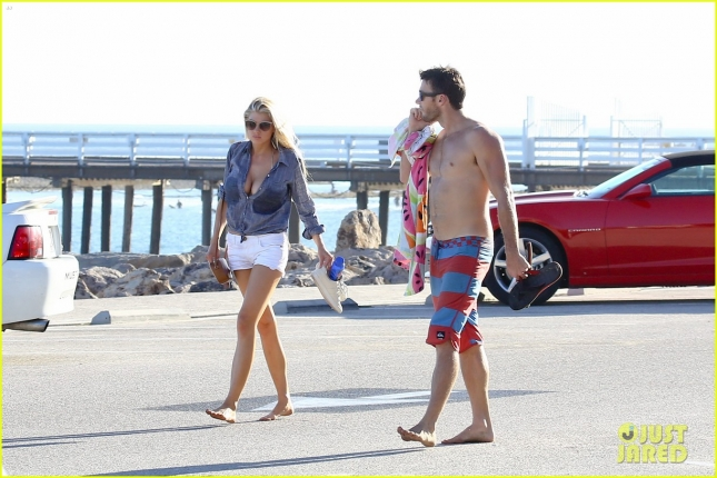 *EXCLUSIVE* Charlotte McKinney and Scott Eastwood make it a beach day **MUST CALL FOR PRICING**